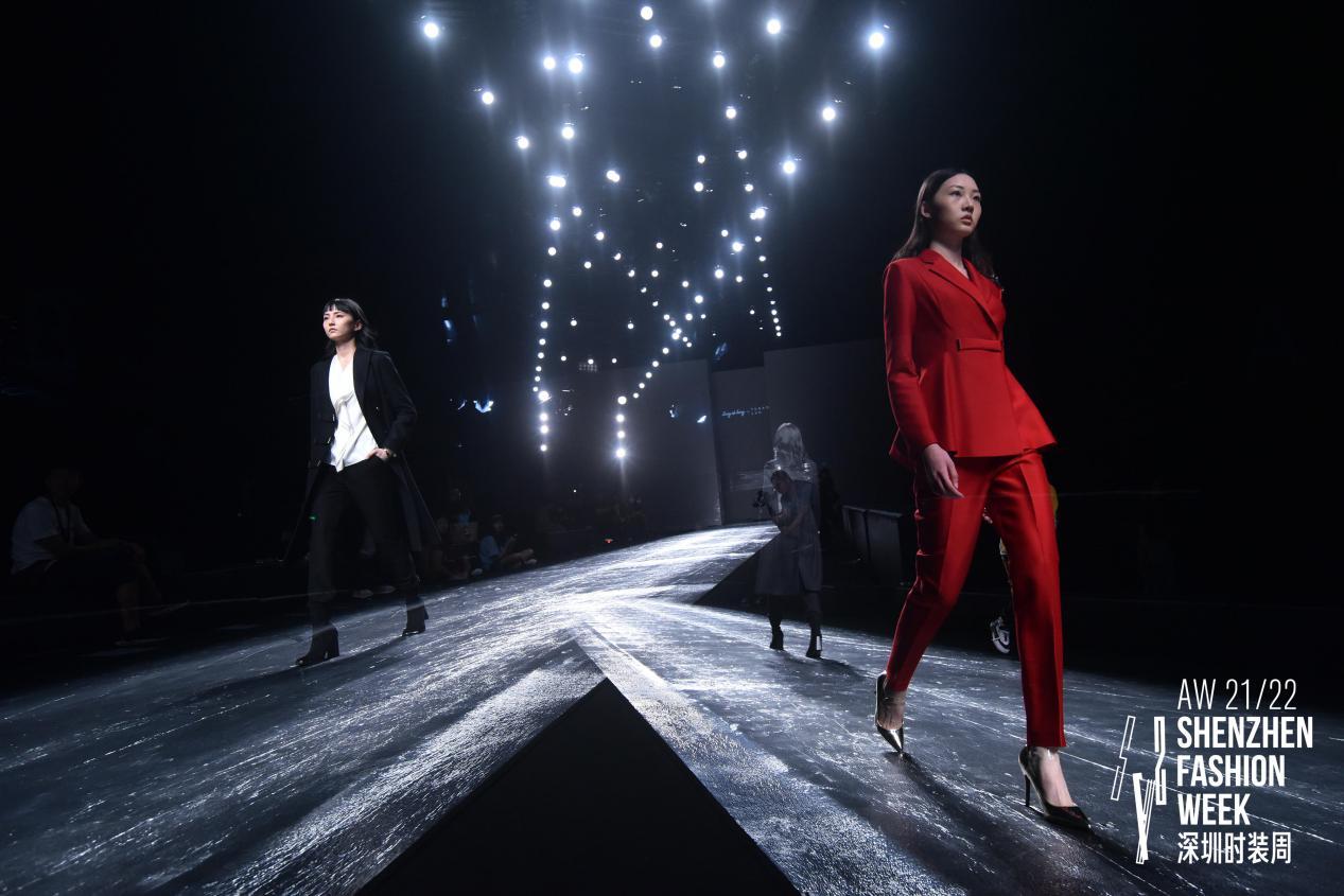 """S/S2022深圳时装周即将启幕,""""科技+时尚""""打造多维交织的光感秀场"""